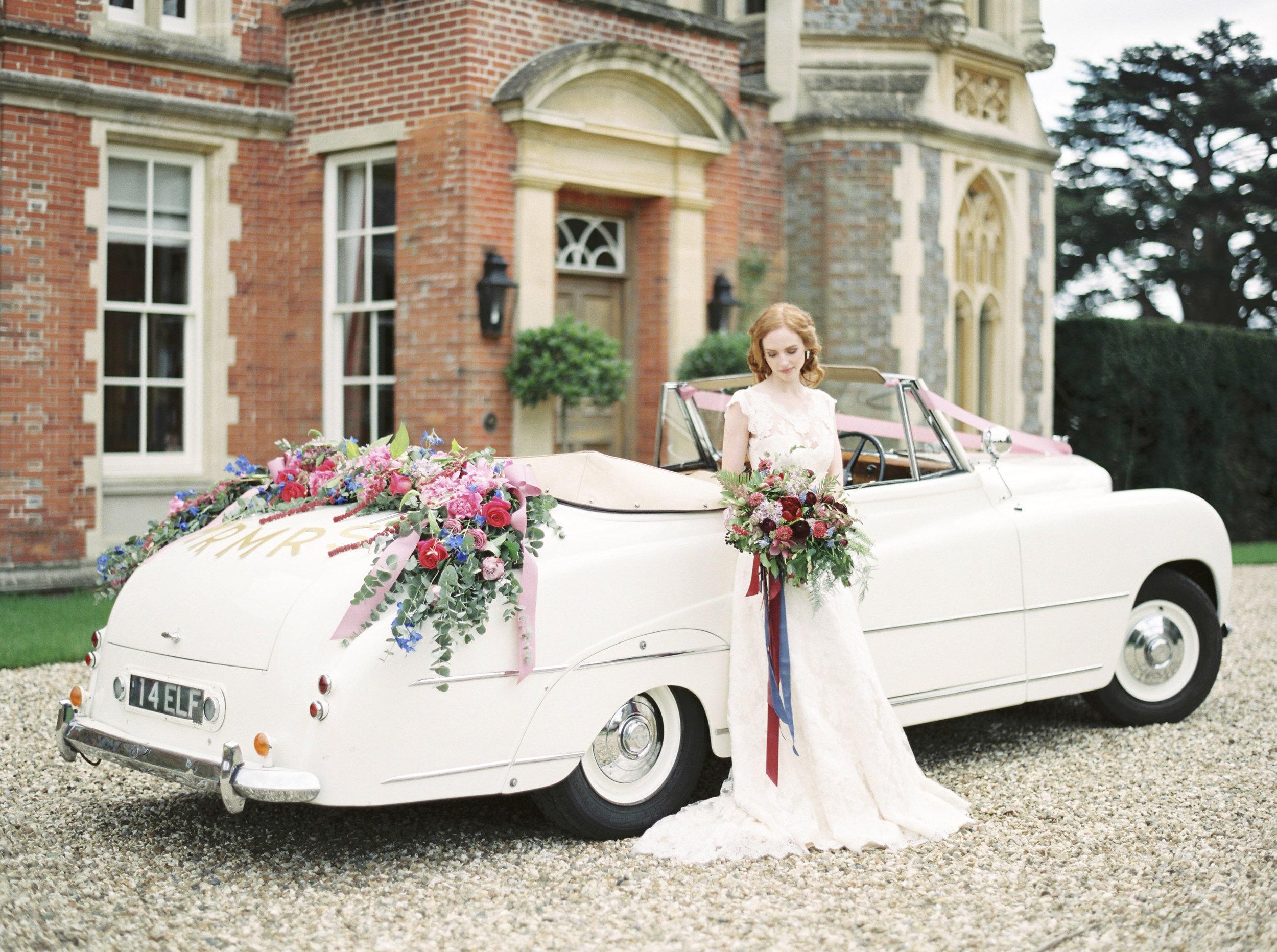 Classic-Car-Hire-Bentley-Franay-1951-flowers.JPG