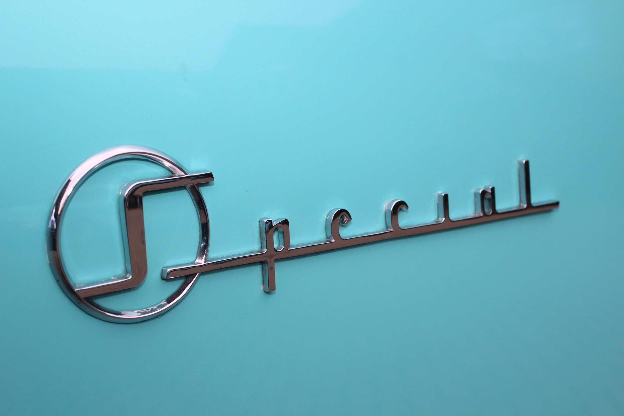 Classic-Car-Hire-Buick-Special-1955-turquoise-wedding-car.jpg