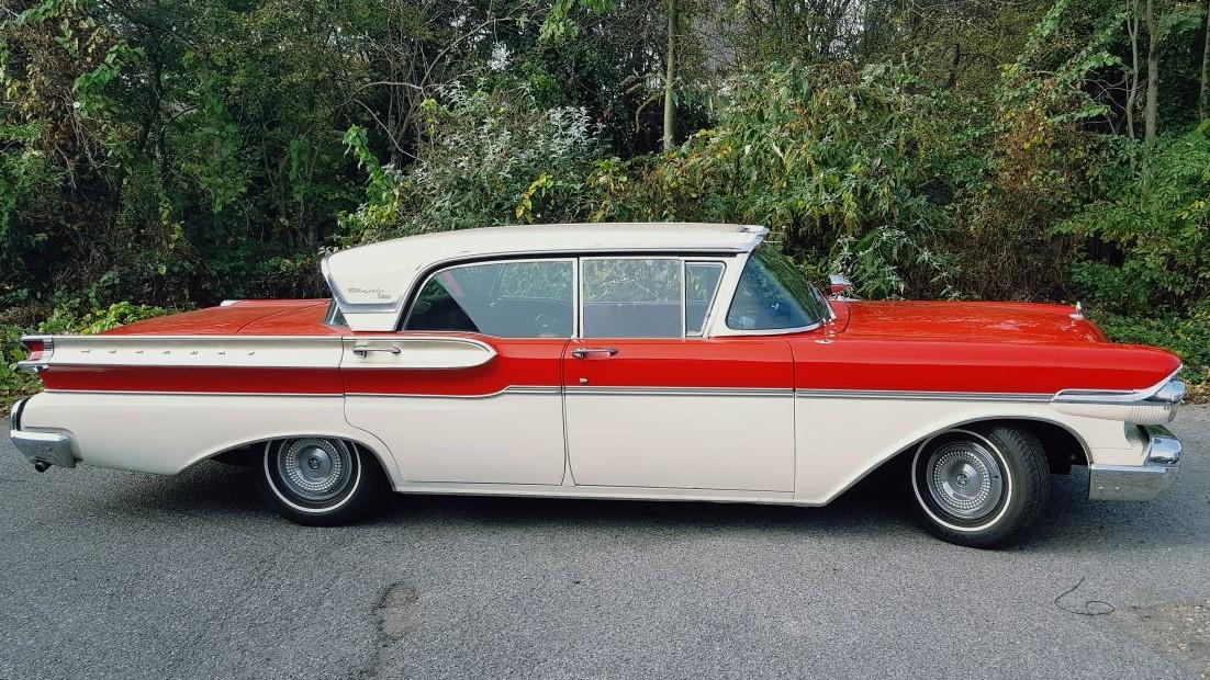 Classic-Car-Hire-Mercury-Turnpike-Cruiser-1957-sporting-event.jpg