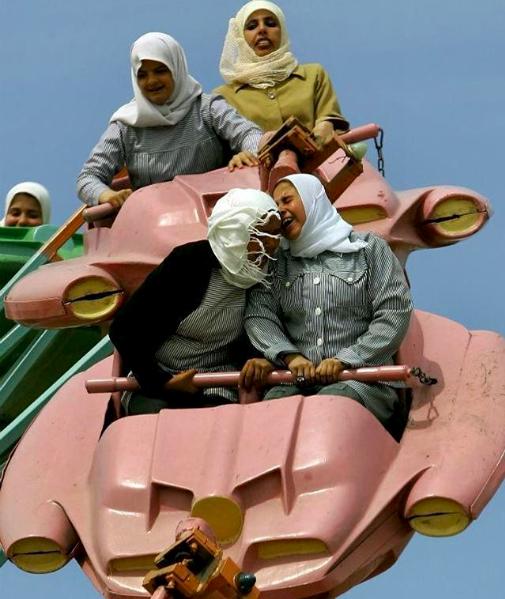 Sisterhood. Palestine. Anja Niedringhaus.