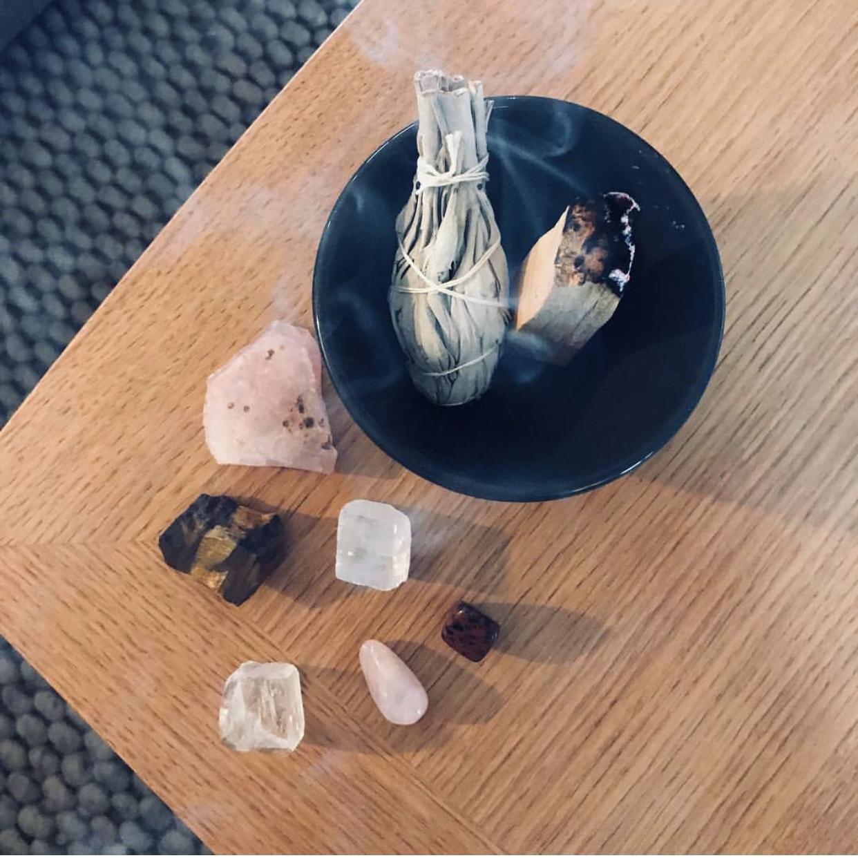 smudge-krystaller-salvie
