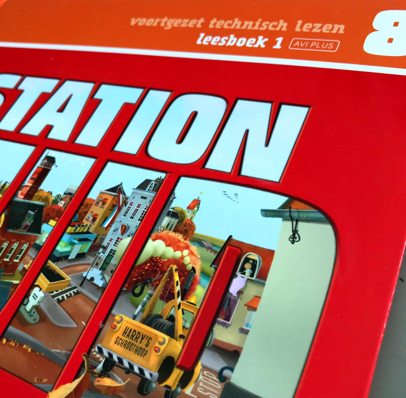 Illustratie omslag Station Zuid | Job van Gelder | © Studio Monnikenwerk