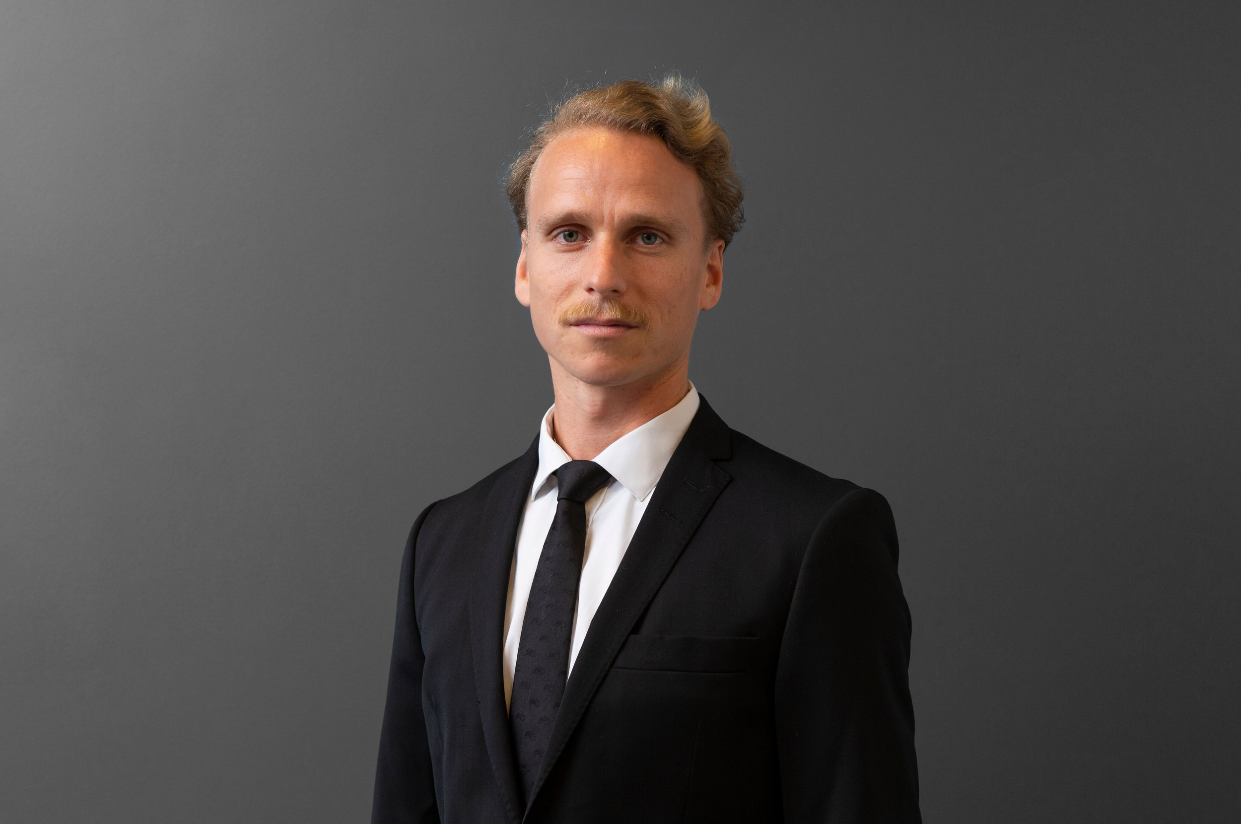 Stefan Lange Moen - For linkedin profile click hereBusiness incorporation, AML, KYC Two years experience from DNB.Msc. in economics University of Amersterdam.