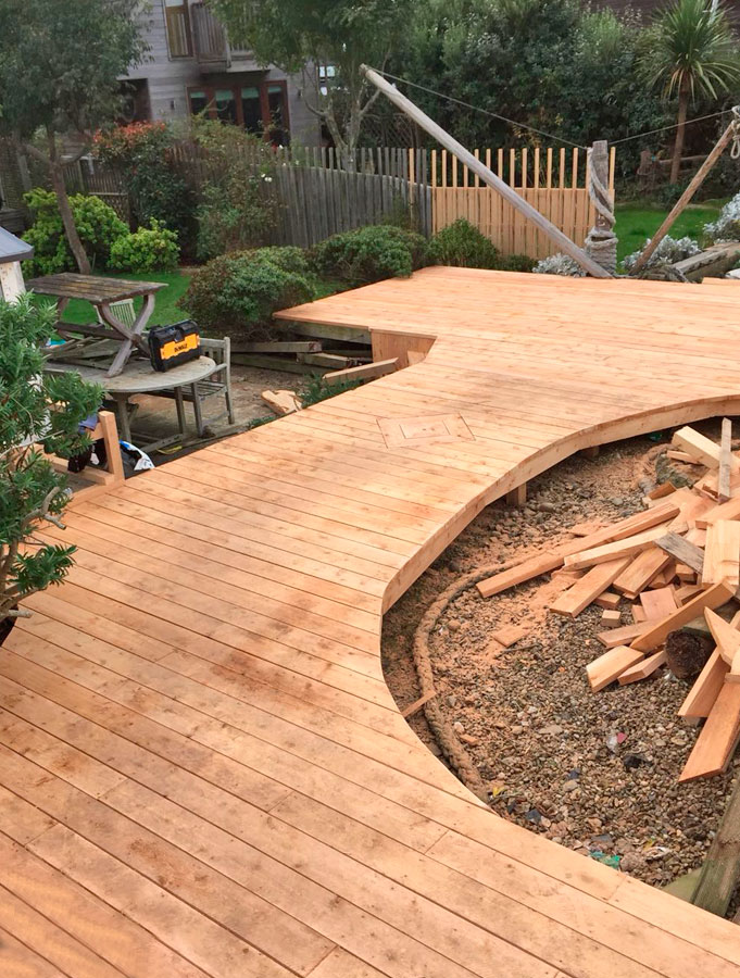 chessell-woodyard-decking-2.jpg