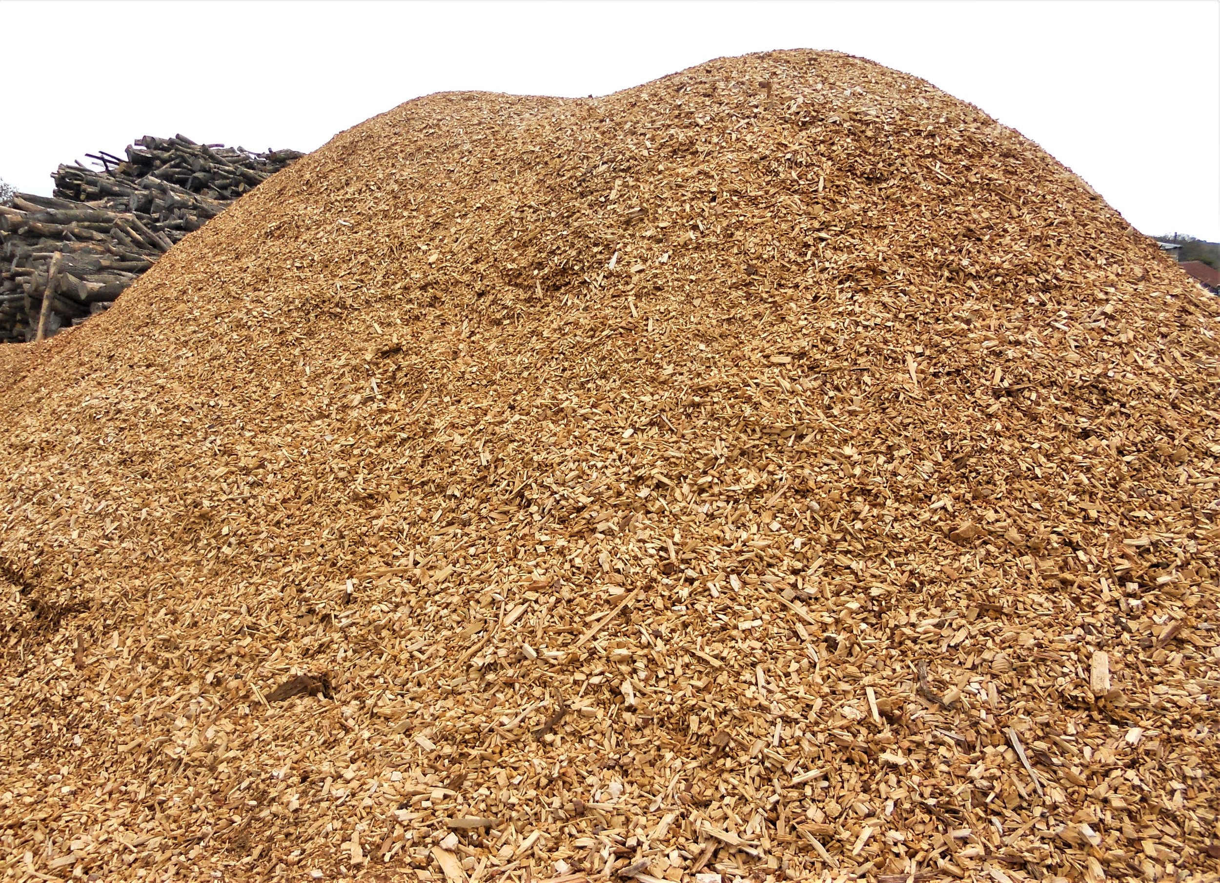 Woodchip - Woodchip is a by product from our milling operations and can be sold loose or in bags.£20 + vat per m3 collected loose£40 inc vat 1 x forestry bag delivered£70 inc vat 2 x forestry bag delivered£100 inc vat Transit tipper load deliveredLarger quantities are available for delivery please call to enquire