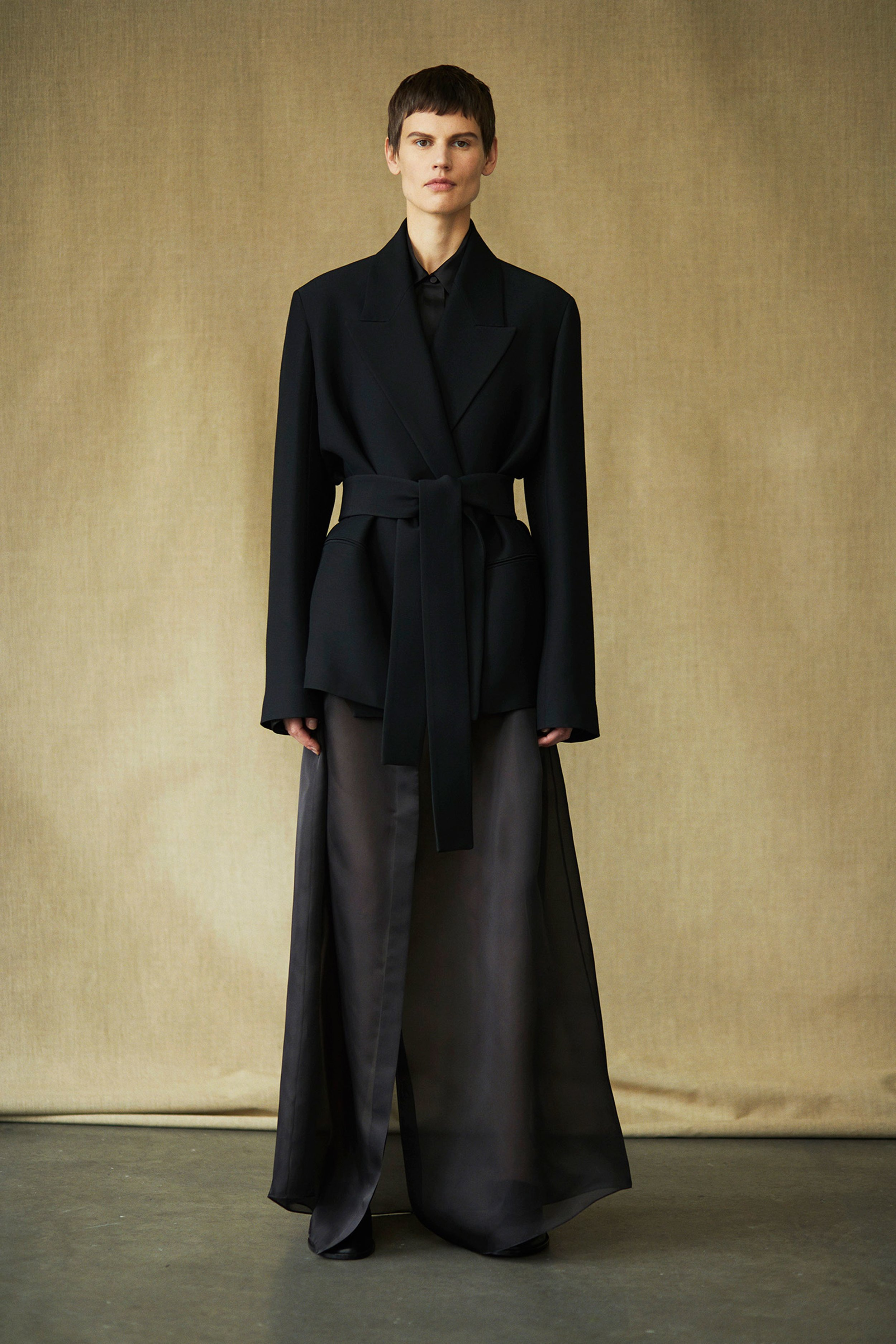 00003-The-Row-collection-spring-2019-ready-to-wear[1].jpg