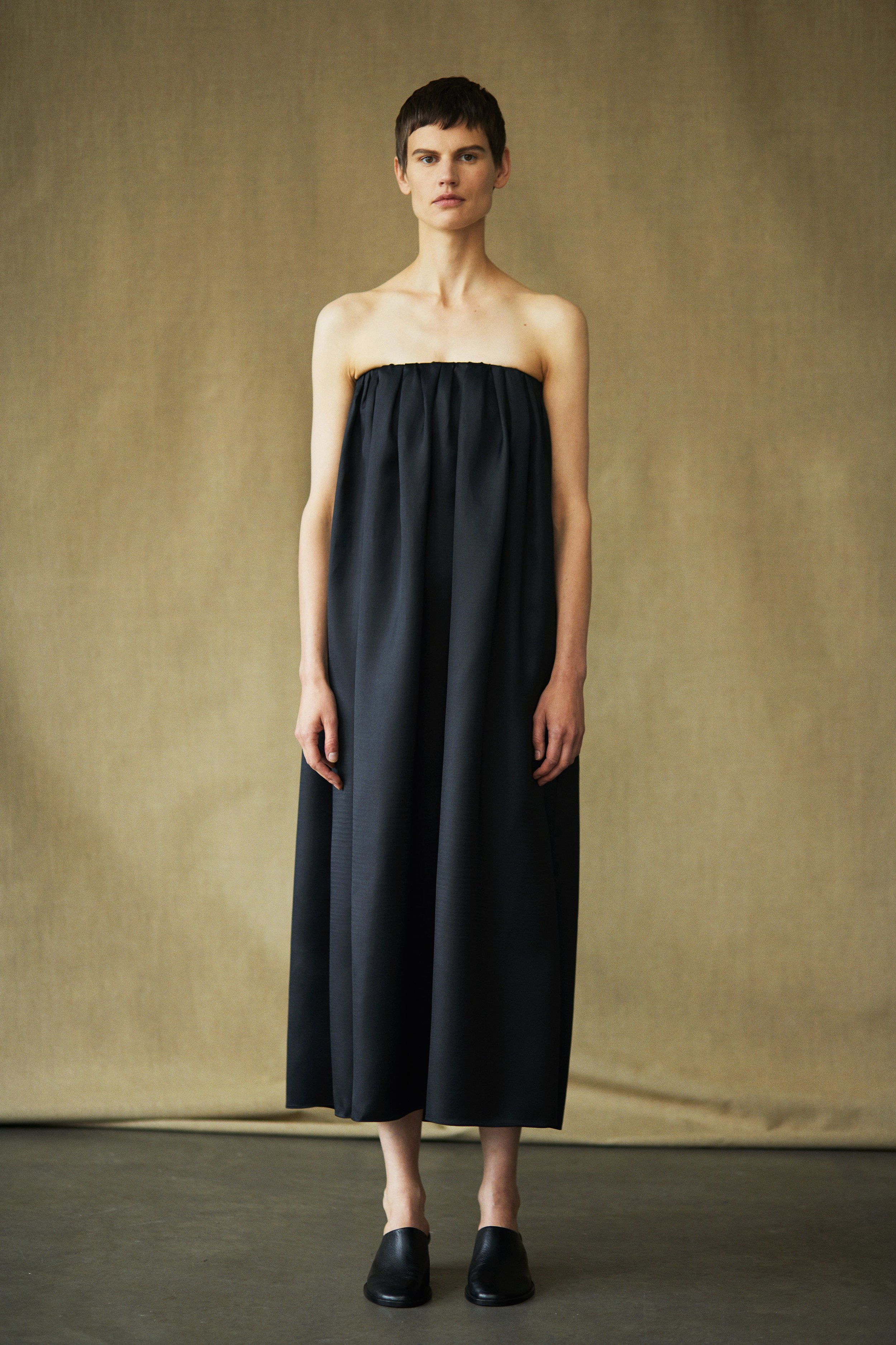 00009-The-Row-collection-spring-2019-ready-to-wear.jpg