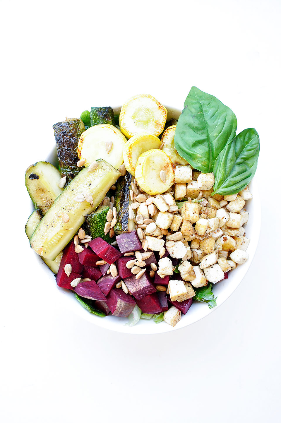 GRILLED ZUCCHINI BOWLS with BASIL YOGURT DRESSING   Grilled zucchini bowls with basil yogurt dressing is an easy gluten-free and vegan meal prep recipe. With beets, tofu, and topped with sunflower seeds. Perfect for summer.   LOVELEAF CO. #mealprep #basil #bowls #salad #saladrecipes #summer #healthydressing #tofu #zucchinisalad #beets #easyrecipe #mealprepping #saladrecipe #bowl