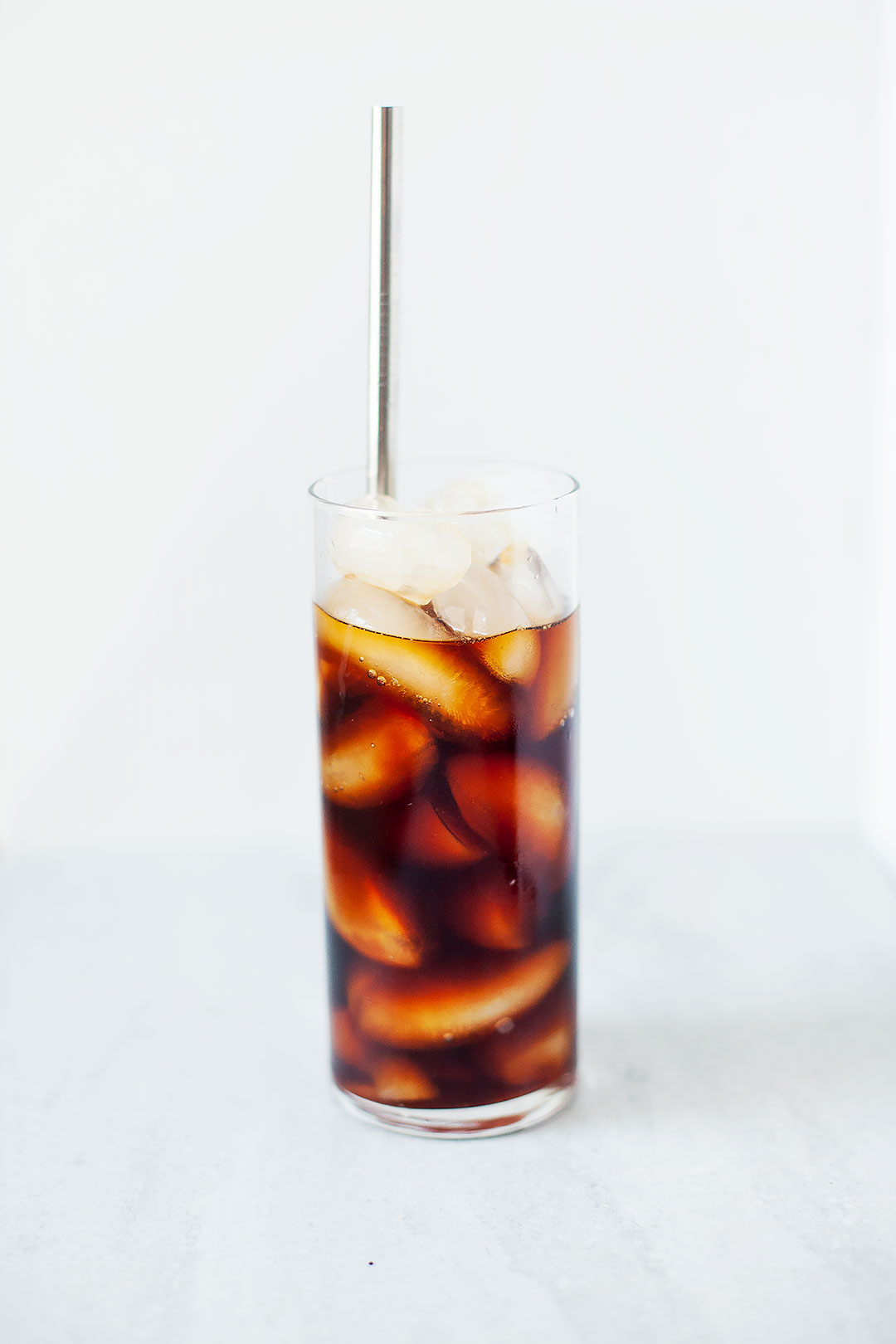 ORGANIC COCONUT COLD BREW COFFEE | A simple cold brew recipe with a hint of coconut. Easily make it at home to save money (and reduce waste!). Never watery, just iced coffee perfection. | LOVELEAF CO. #coldbrew #icedcoffee #coldbrewrecipe #coconut #coffee #iced #summer #drink #organic