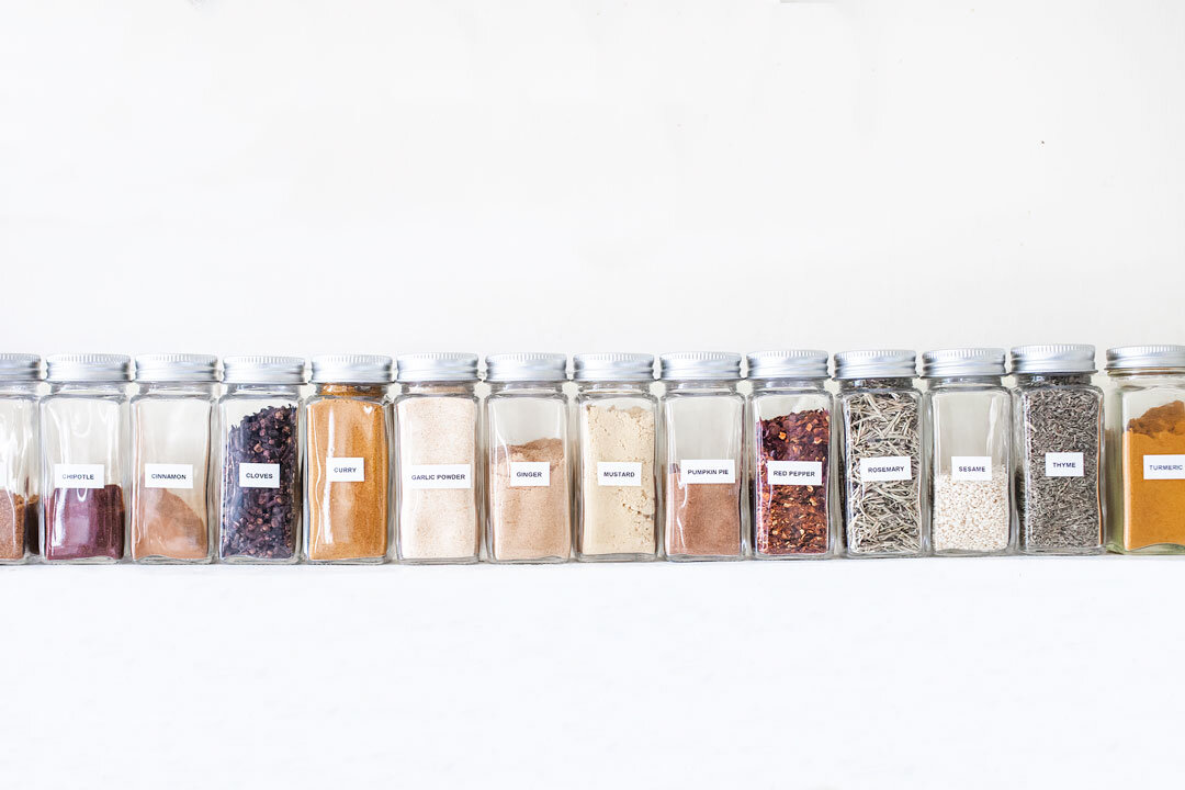 HOW TO CREATE A CAPSULE PANTRY | A list of simple, essential ingredients to keep in your pantry for easy, healthy weeknight meals. Includes a full (printable!) capsule pantry shopping list. | LOVELEAF CO. #capsulepantry #minimalistpantry #pantry #kitchenorganization #pantryorganization #shoppinglist #mealplanning