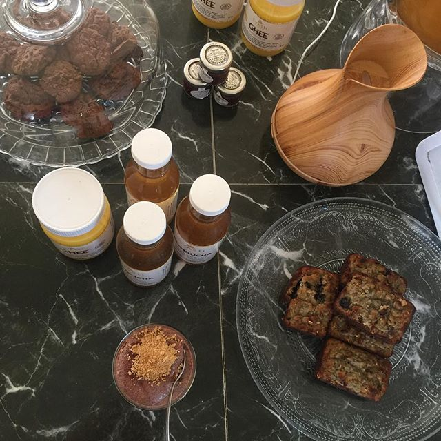 Blueberry and coconut gluten free cakes , raw coco cookies , strawberries chia parfait , little fruit jam ,ghee and Kombucha . All organic .First come first ! ##Barbados #ayurveda