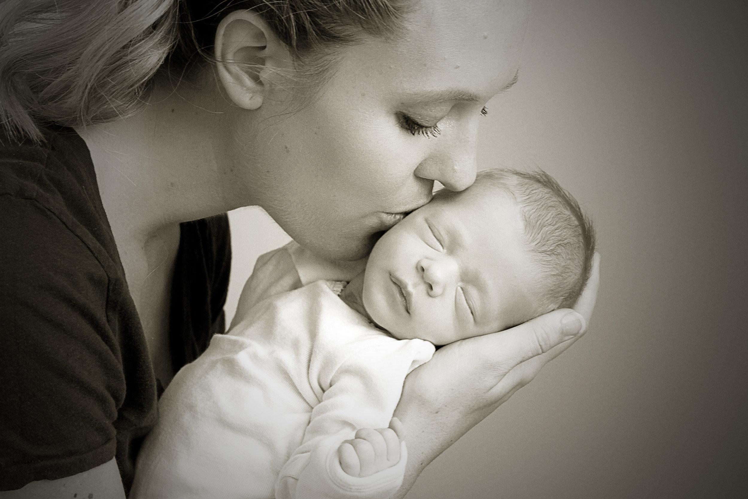 In-home newborn session (full)