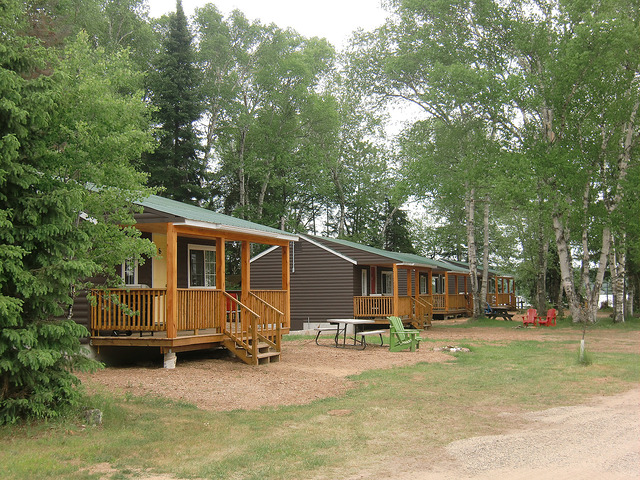 Cabins & Rooms -