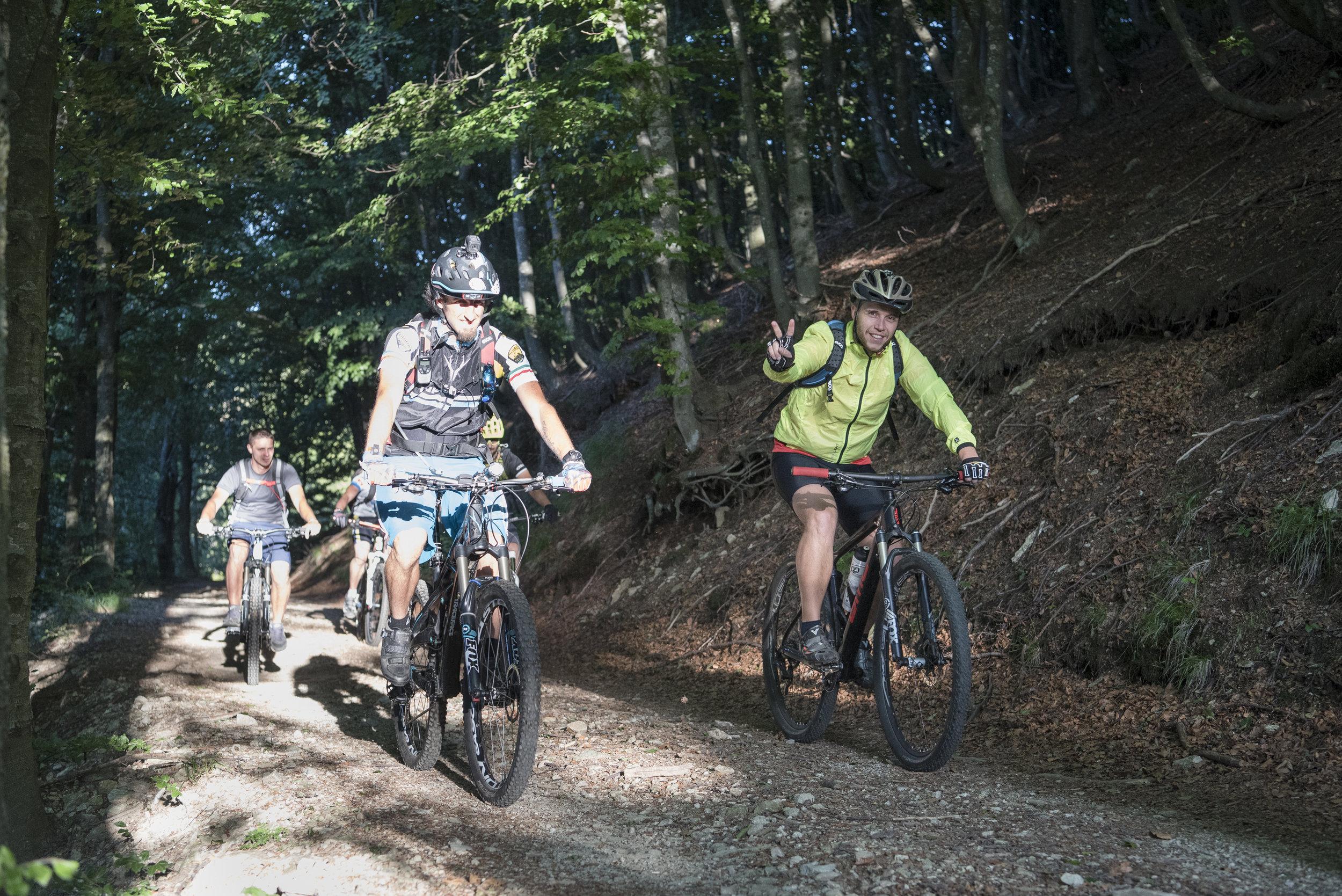 Mountain Bike in gruppo