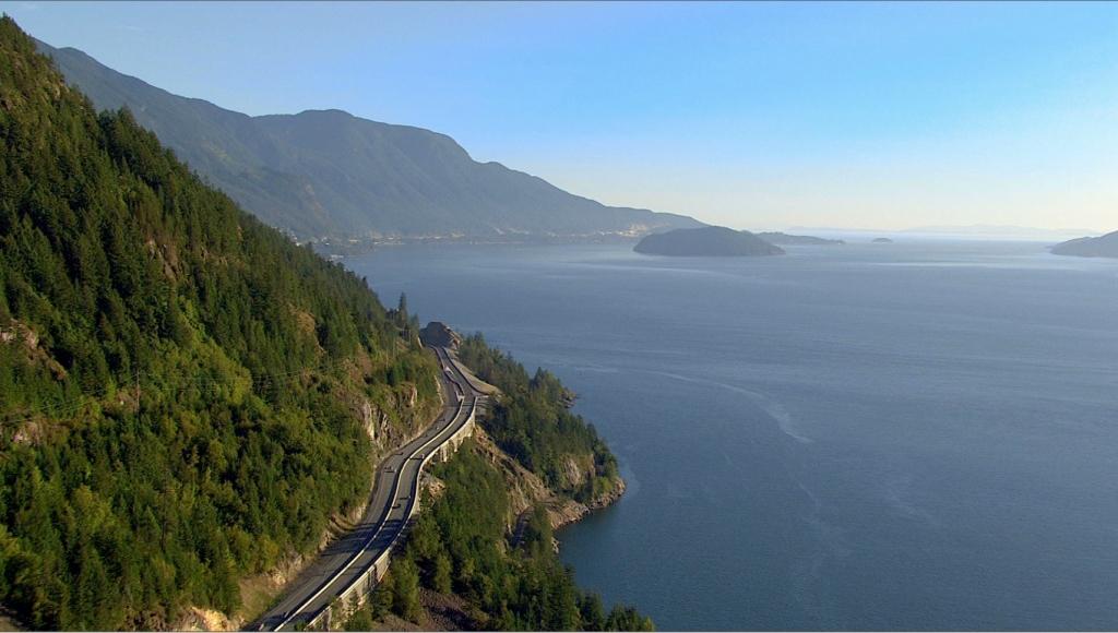 Também conhecida como  Highway 99 , a Sea to Sky Highway possui paisagens de tirar o fôlego.