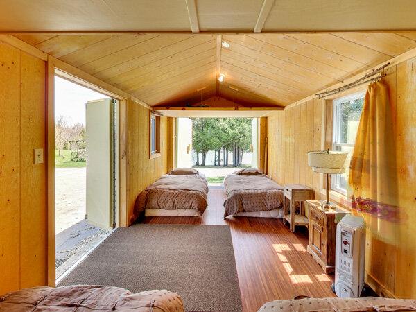 Cabin1inside.jpg