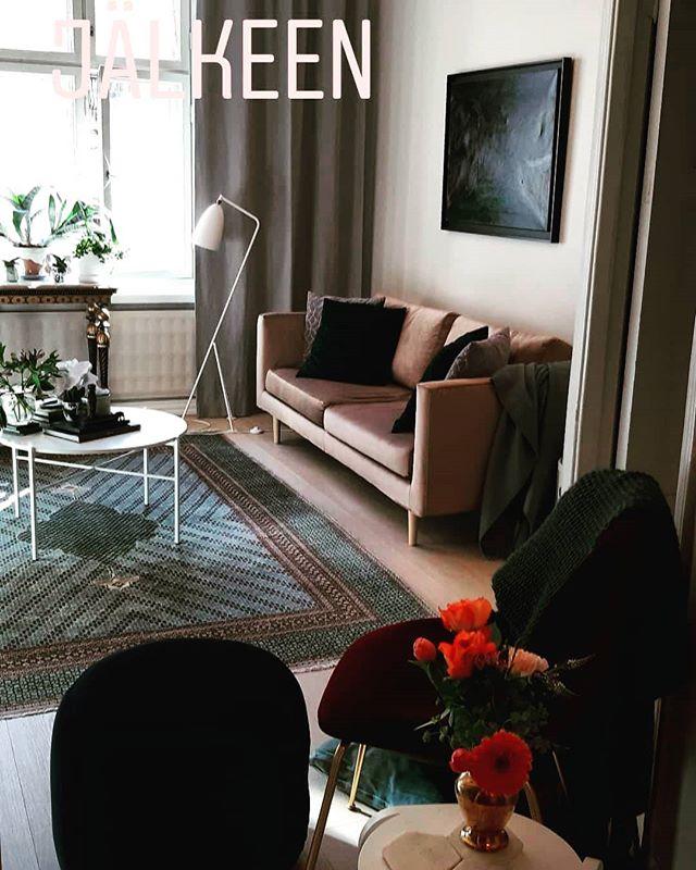 Kodin kevätpäivitys valmistui viikonloppuna! Vielä ikkunoiden pesu, mutta siitä huolimatta, kevät- olen valmis!☀️ #kevät #sisustussuunnittelija #sisustus #spring #interiordesign #interiordesigner