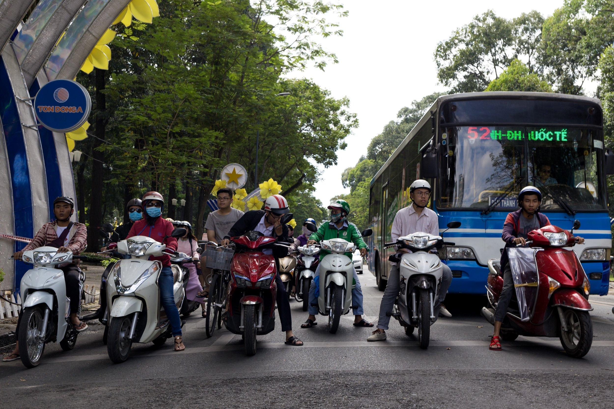 Source:  dariogiuliani.com ,Traffic in Ho Chi Minh City, December 2017