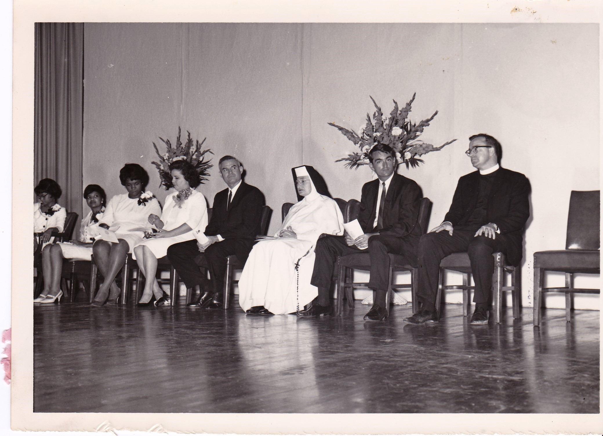'66 Cheryl Tyler, Myralin LaCabe, Gohn Johnson, Alice Geoffray, Alden LaBorde, Sr. Louise OP, John Whalen and Father Timothy Gibbons