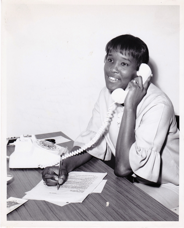 '67 Edna Martin talking to Christine Stutgard, Head of Social Correspondence Staff to Mrs. Lyndon B. Johnson