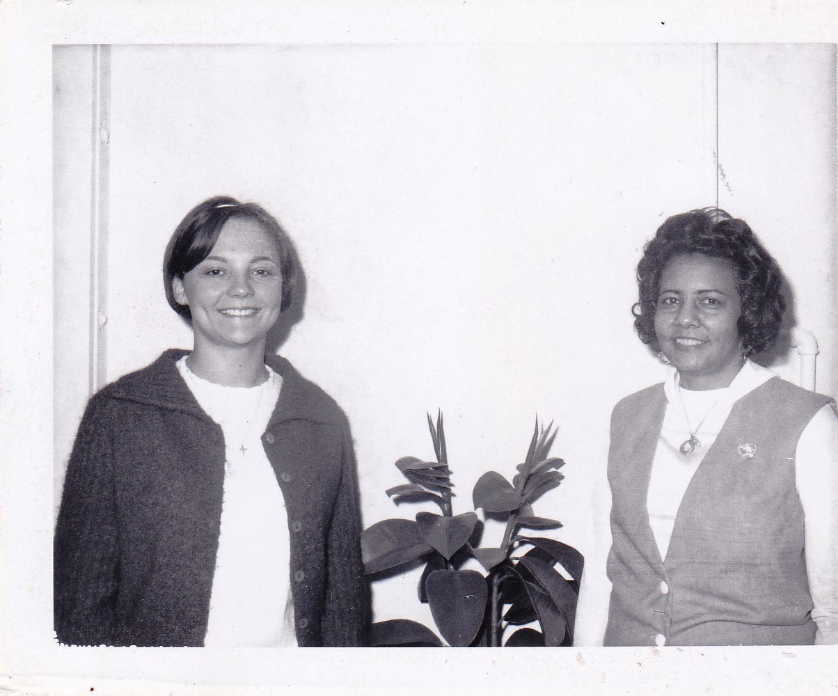 '67 Louise Schneider and Angela Theophile