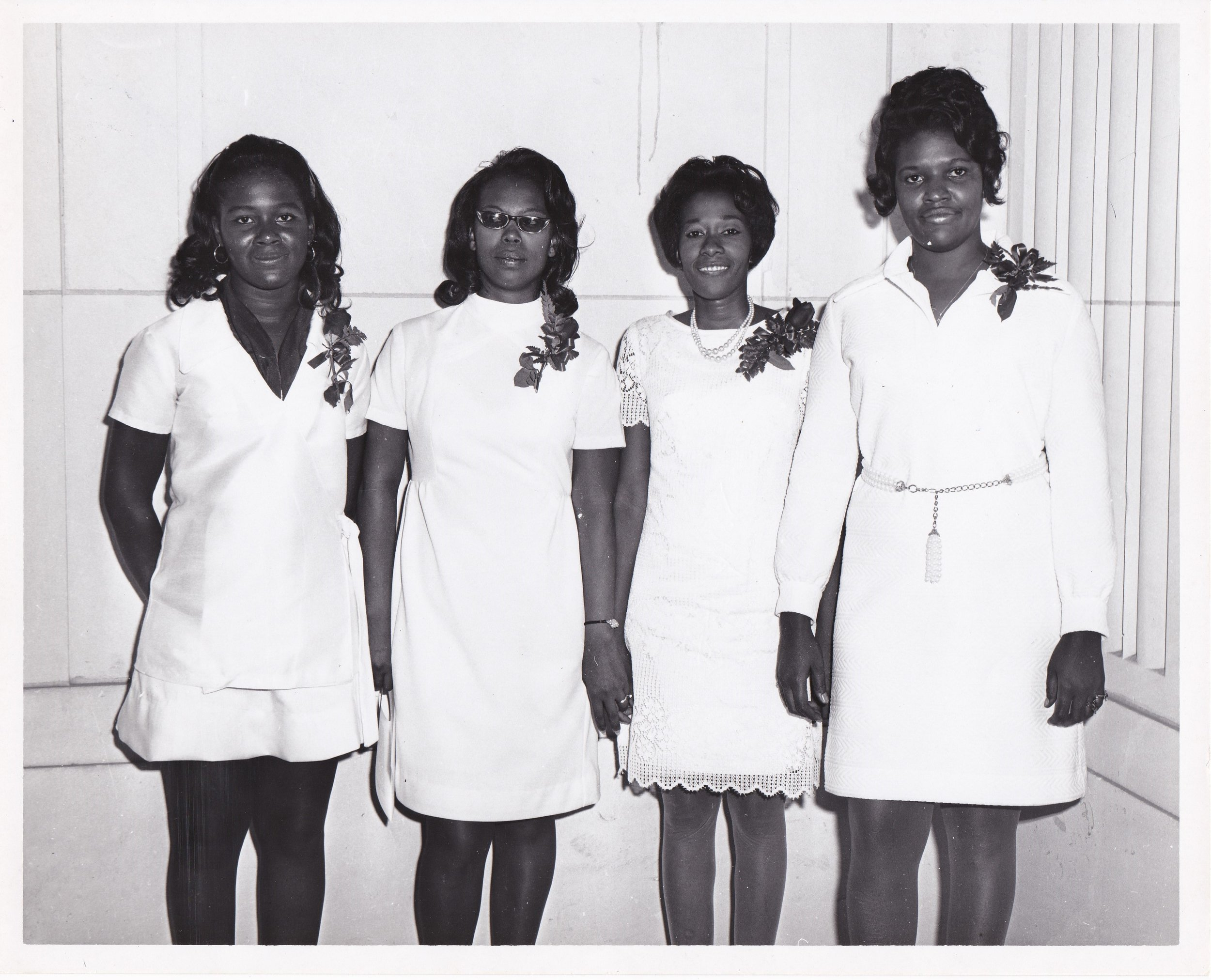 '70 Donna Sylva, Leah Harper, Ruth Taylor, and Student