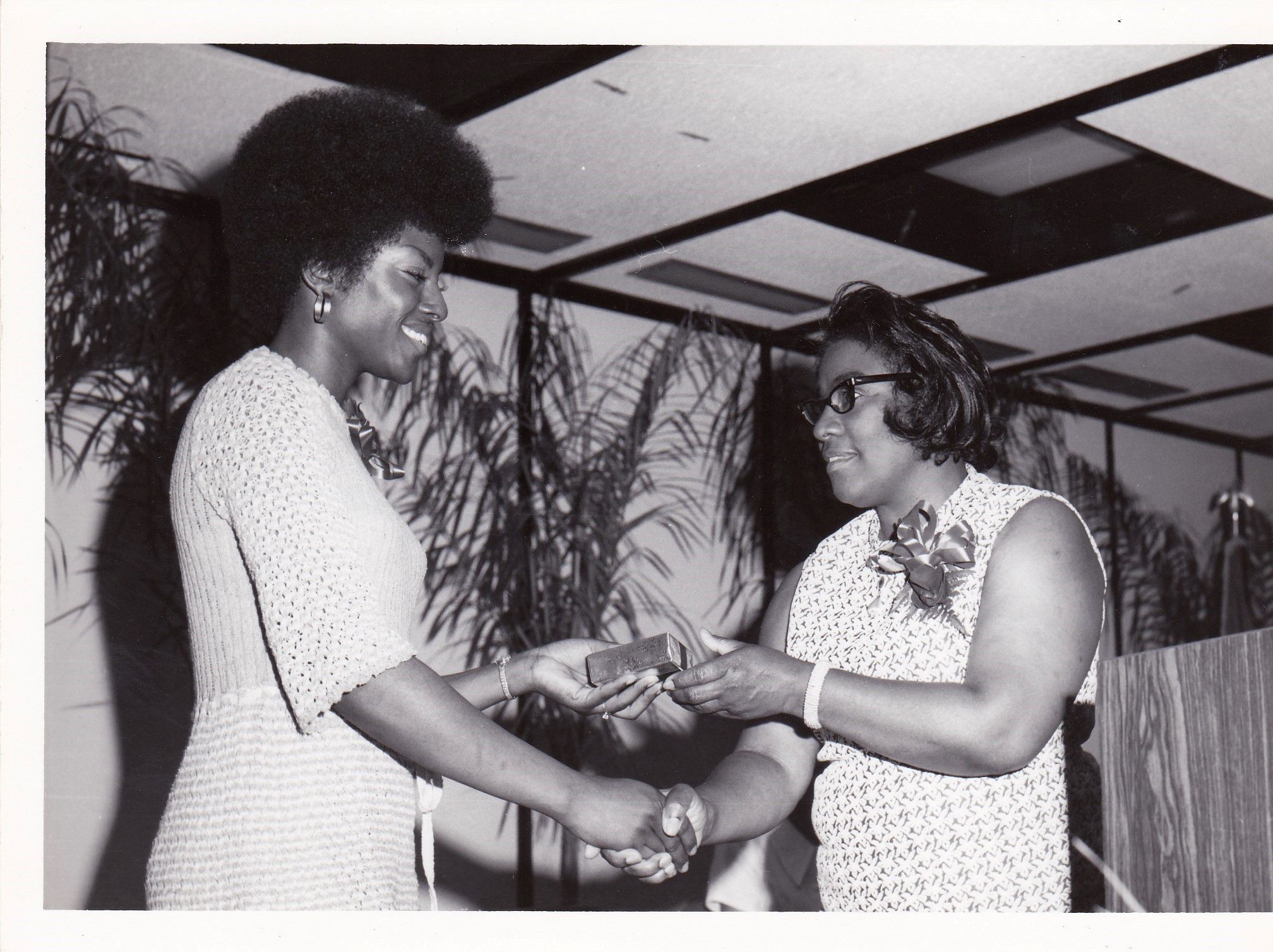 '72 Carolyn Bell '72 and Bernadine Irving '66