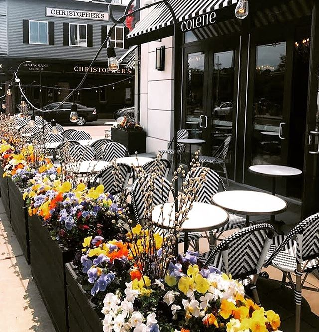 It's perfect weather for brunch outside!! Shout out to @bostonmagazine for featuring our #newpatio #bostonpatios 📸 @veinlaura