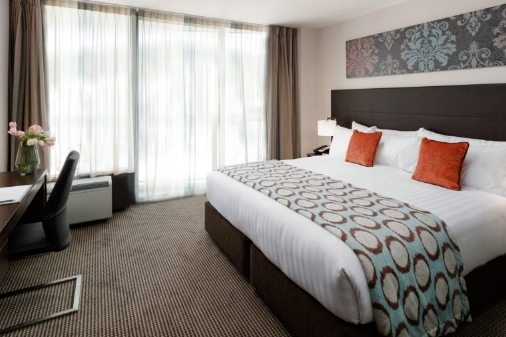 Rydges - Fully booked - Superior King$239 room only, $259 inc breakfastCity View$279 room only, $299 incl breakfastRydges Wellington accommodation is centrally located downtown on Featherston Street with a unique combination of harbour and city outlooks.
