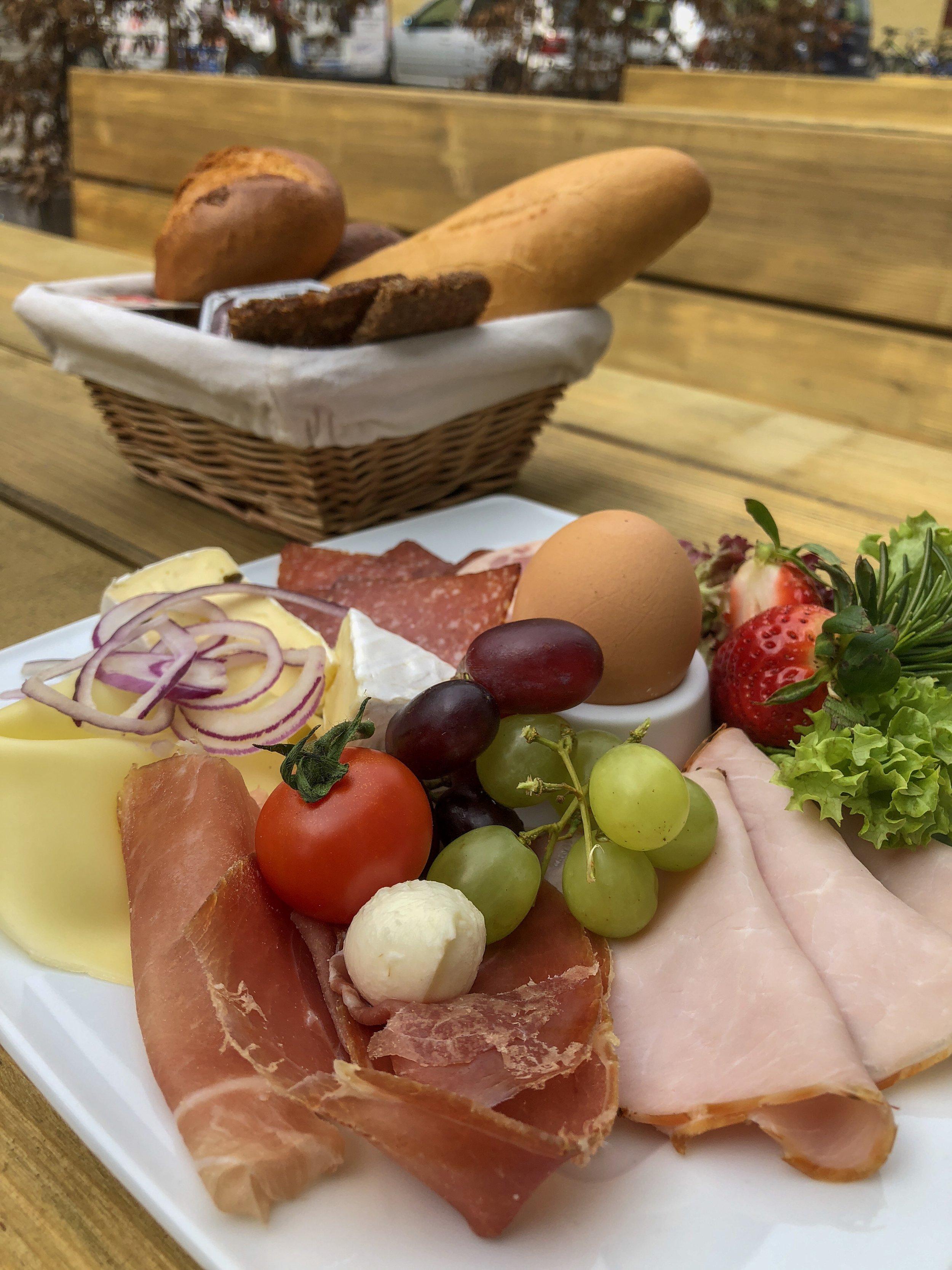Kesselhaus Bad Tölz Frühstück für eine Person.JPG