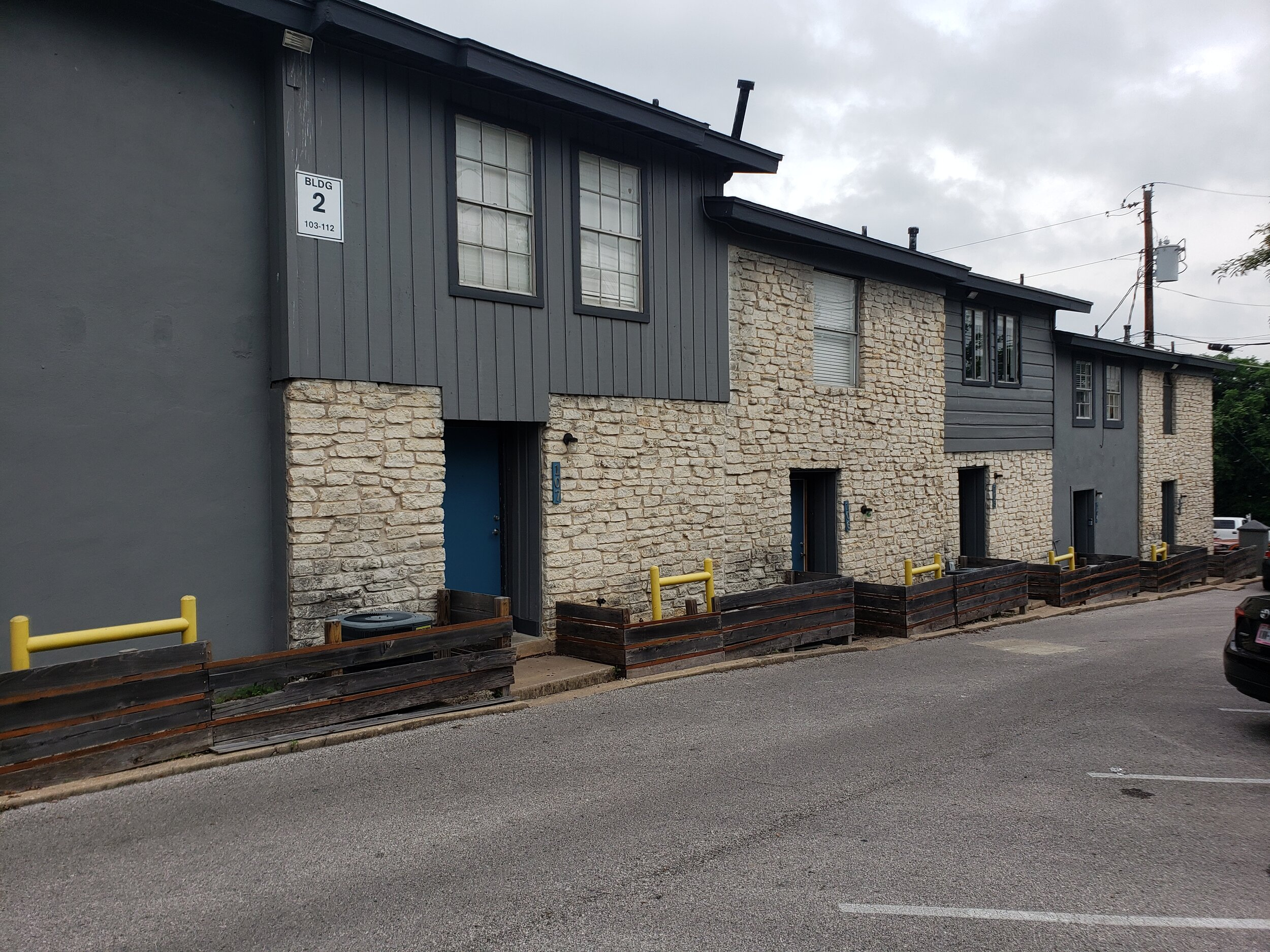 Parker Heights/Flats - 53 Unit Complex in Austin, TX.Purchased in August 2019Renovations Beginning October 2019Projected Hold Time : 5+ YearsProjected IRR: 18%