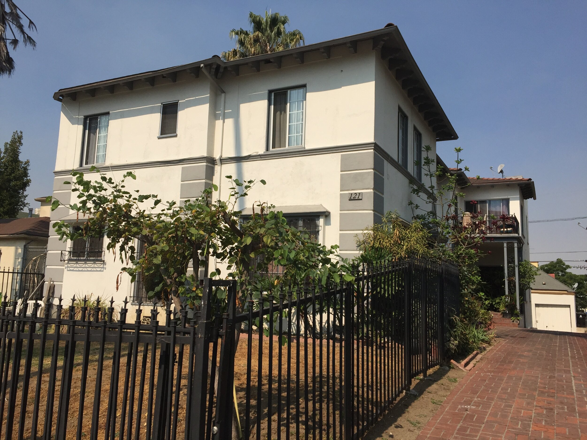 Catalina - 10 Unit Purchase Split Between Two Properties in Los Angeles, CAPurchased in July 2016Projected 4+ Year Hold