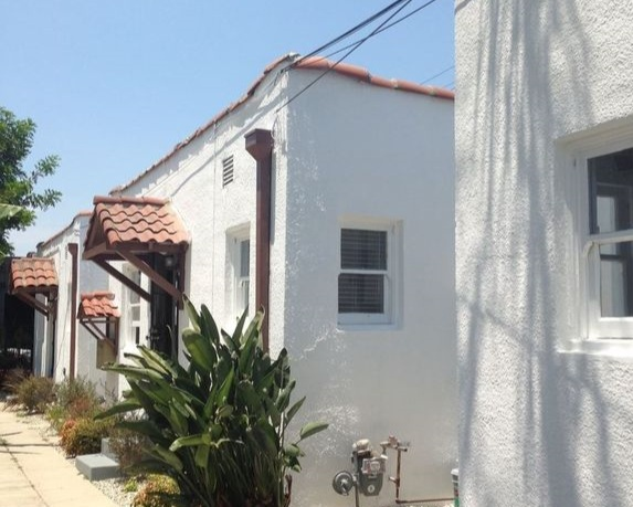 Heliotrope - 11 Unit Complex Split Over Two Adjacent Properties in Los Angeles, CAPurchased in 2008/2017
