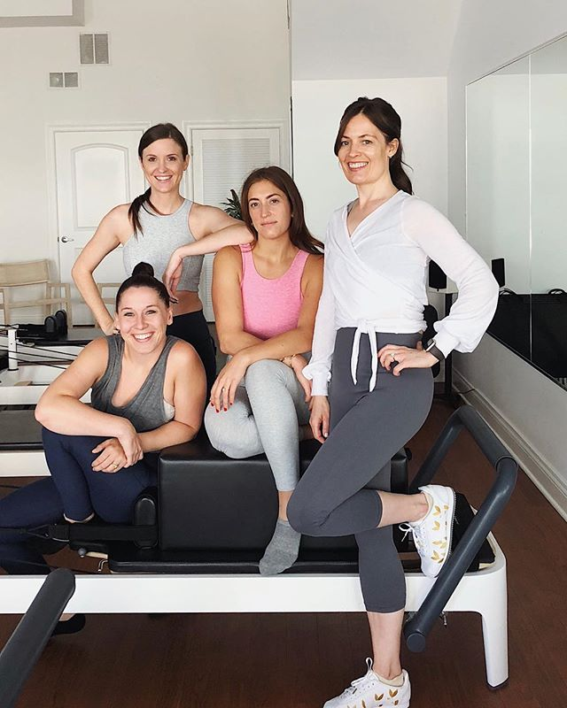 Studio Squad today 💞 love these girls #PageOnePilates . . . . . . #pilatesreformer #pilatesbody #pilateslovers #reformerpilates #fit #pilateseveryday #pilatesinstructor #fitness #girlsquad #athleisure #doingthings #bandiergirl #chicago #westloop #healthy #motivation #fitnessmotivation #fitnessgirl