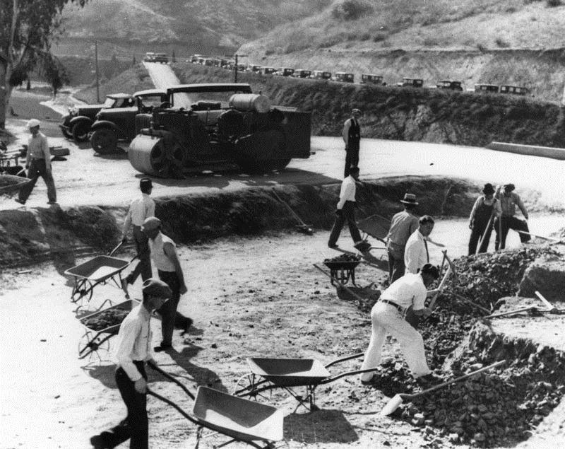 Silver_Lake_Reservoir_Construction_1930.jpg