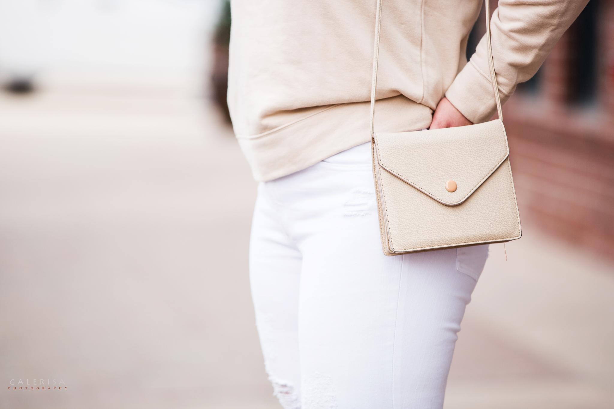 Raeann-Langas-Denver-Fashion-Blogger-white-pants-beige-sweater-GaleRisa-Photography-2016-36.jpg