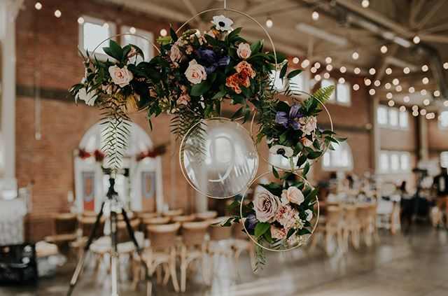 If we could hang cool installations from the ceiling all day every day we would strongly consider it. ⠀⠀⠀⠀⠀⠀⠀⠀⠀ ⠀⠀⠀⠀⠀⠀⠀⠀⠀ This guy is from @thebigfakewedding last January. It went through so many drafts before we settled on the best way to make this shape with these flowers happen! ⠀⠀⠀⠀⠀⠀⠀⠀⠀ ⠀⠀⠀⠀⠀⠀⠀⠀⠀ Brides out there, can we please hang something from your wedding reception ceiling? Pretty please?? ☺️⠀⠀⠀⠀⠀⠀⠀⠀⠀ ⠀⠀⠀⠀⠀⠀⠀⠀⠀ Calligraphy: @ohmaicreations⠀⠀⠀⠀⠀⠀⠀⠀⠀ Venue: @brick828⠀⠀⠀⠀⠀⠀⠀⠀⠀ Photography: @ardorphoto⠀⠀⠀⠀⠀⠀⠀⠀⠀ Event: @thebigfakewedding⠀⠀⠀⠀⠀⠀⠀⠀⠀ ⠀⠀⠀⠀⠀⠀⠀⠀⠀ #bepresent #bestfriend #weddingbouquet #weddinginspiration #weddingdetails #flowerlover #weddingplans #weddingplanningtime #bhldn #bridesmaidbouquet #martha_weddings #weddingchicks #greenweddingshoes #100layercake #oncewed #ruffledblog #flowerstyle #authentic wedding #graceloveslace #modernloveevent #intimateweddings #moodforfloral #underthefloralspell #weddingflowerinspiration #bhldnbride #ruedeseine #sandiegobride #bhldnbride #ruedeseine #sandiegobride