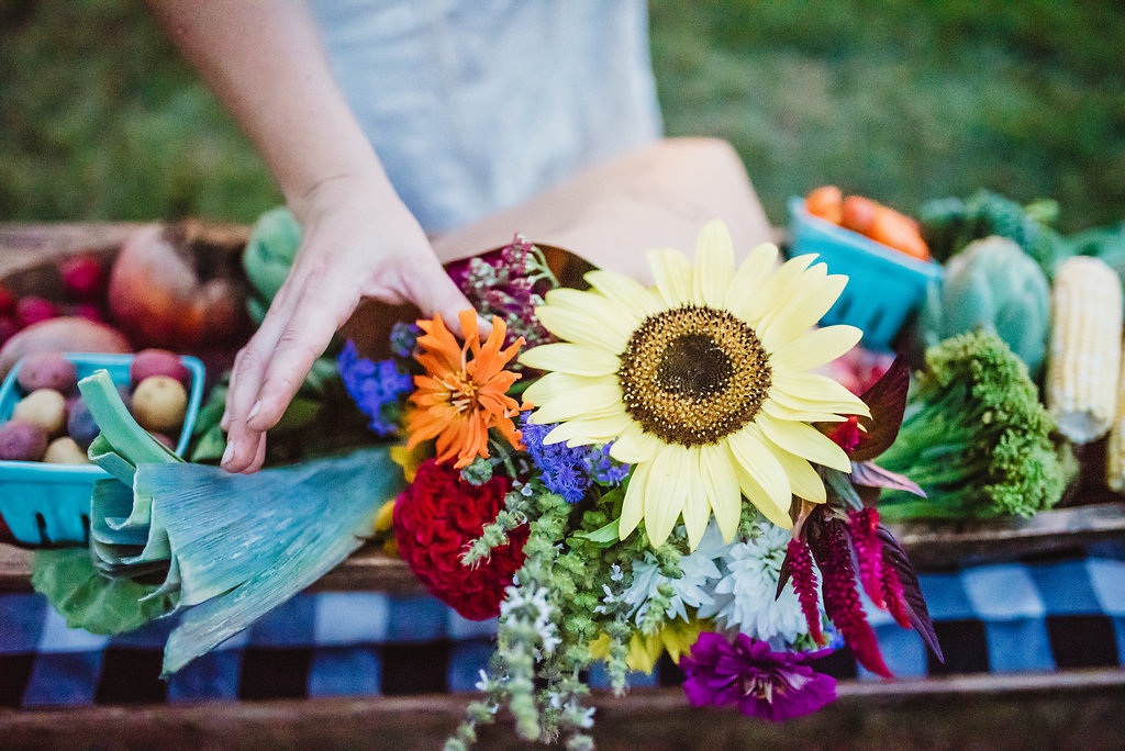 CSA flower subscriptions - Community Supported AgricultureYou can receive weekly, biweekly or monthly bouquets of our flowers June through September.