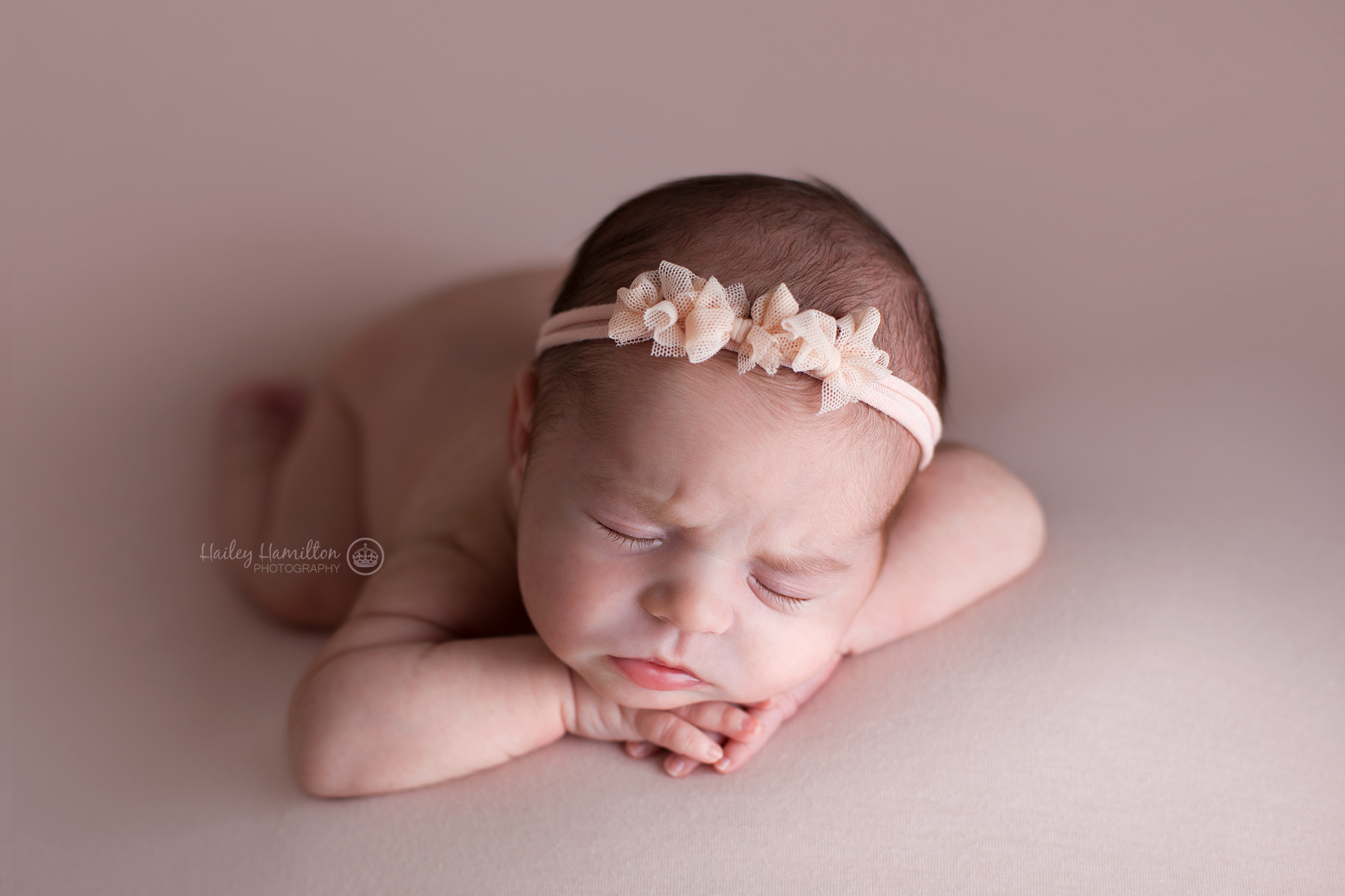 Hailey-Hamilton-Photography-Calgary-newborn-posing-mentoring-workshop.png