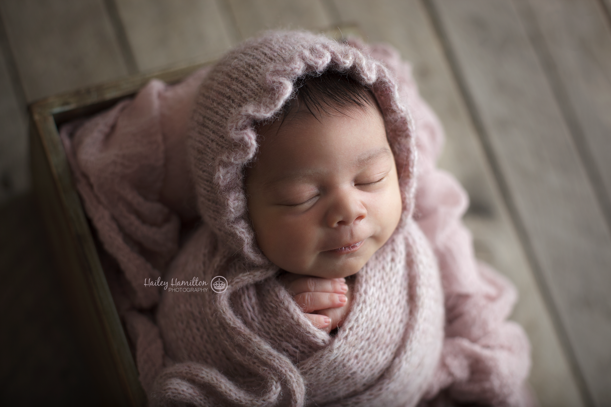 Calgary-AB-newborn-photography-posing-mentoring-workshop-studio.png