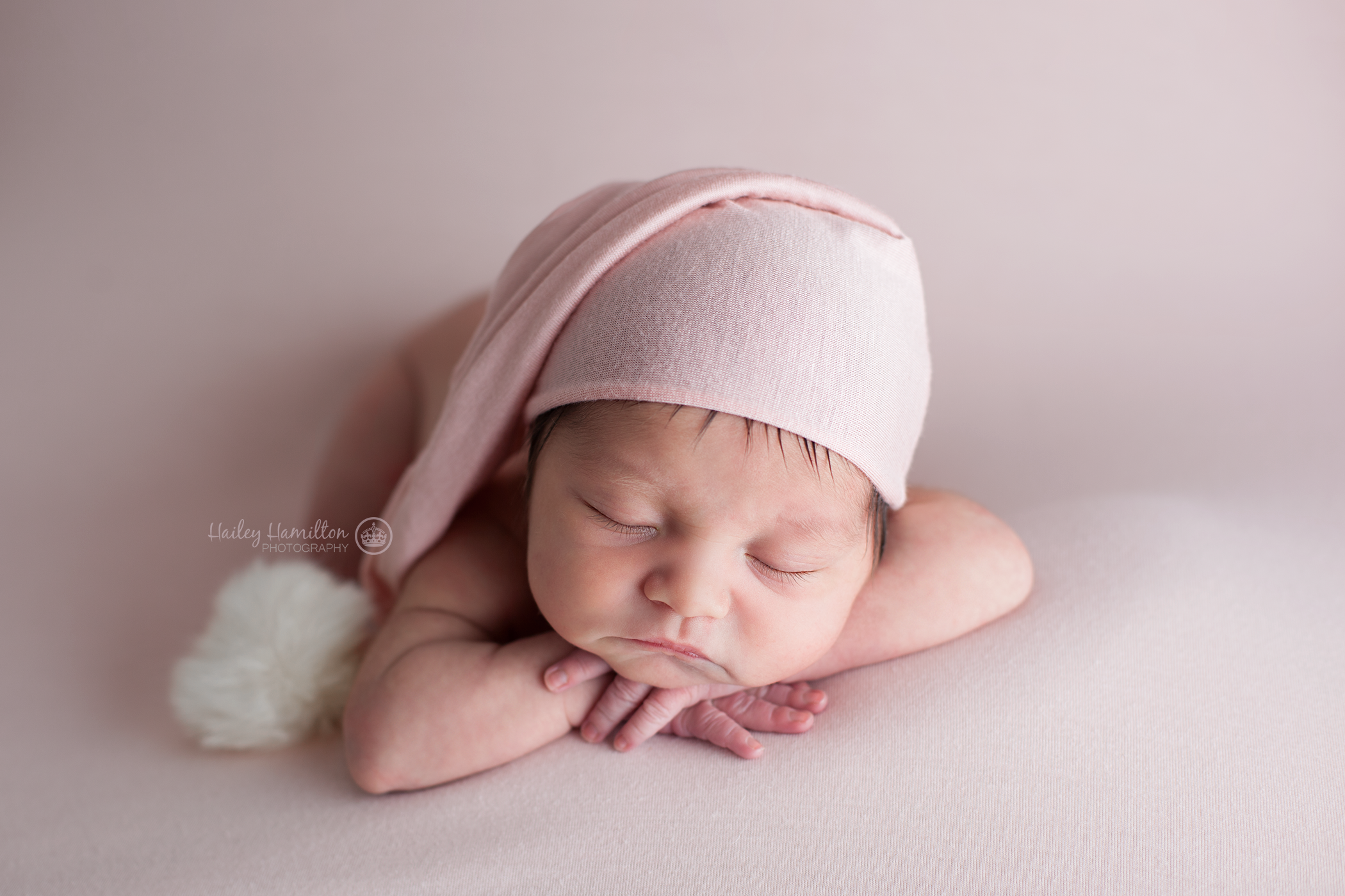 Calgary-newborn-family-photographer-new-born-photography-Airdrie.png
