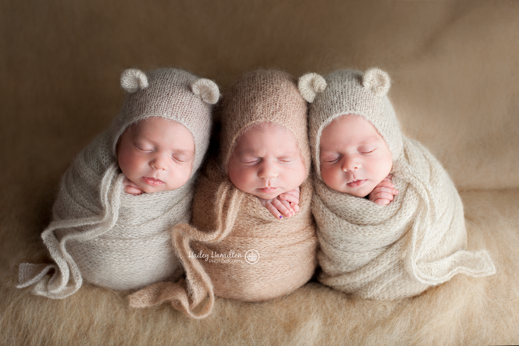 Calgary-newborn-photographer-twins-triplets-photos-pictures.png