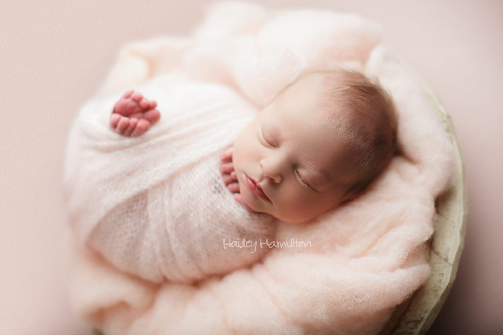 newborn-photography-studio-Calgary-baby-photographer-new-born-pictures.jpg
