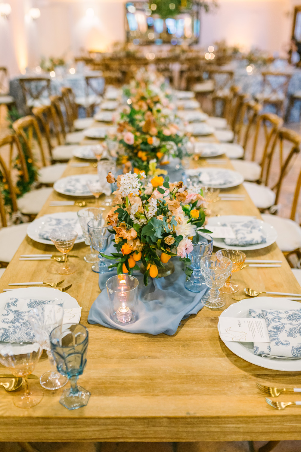 Orange County wedding planner creates this stunning table scape for a southern california couple at a popular wedding venue in the heart of Orange county at Rancho Las Lomas.