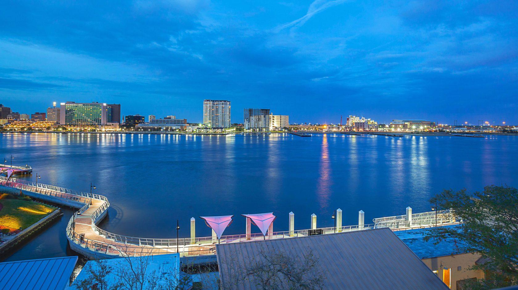 Riverwalk Jacksonville Lexington: - Located on the river in Jacksonville, Fl