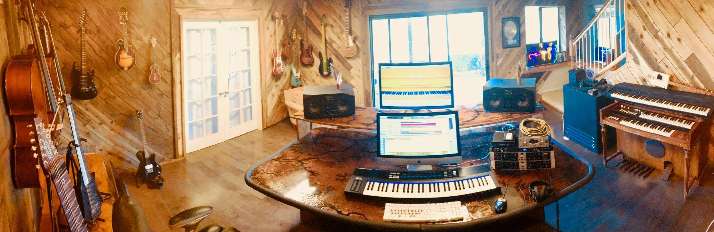studio_3.jpg