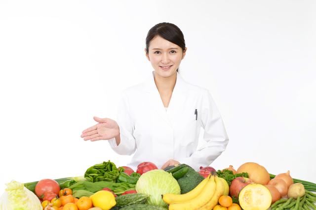 葉酸だけでなく、カルシウム・ミネラル・鉄分なども妊活・妊娠中の女性にとって重要な栄養ですが、食事から補うのは難しいため、サプリからも栄養を摂取しましょう。