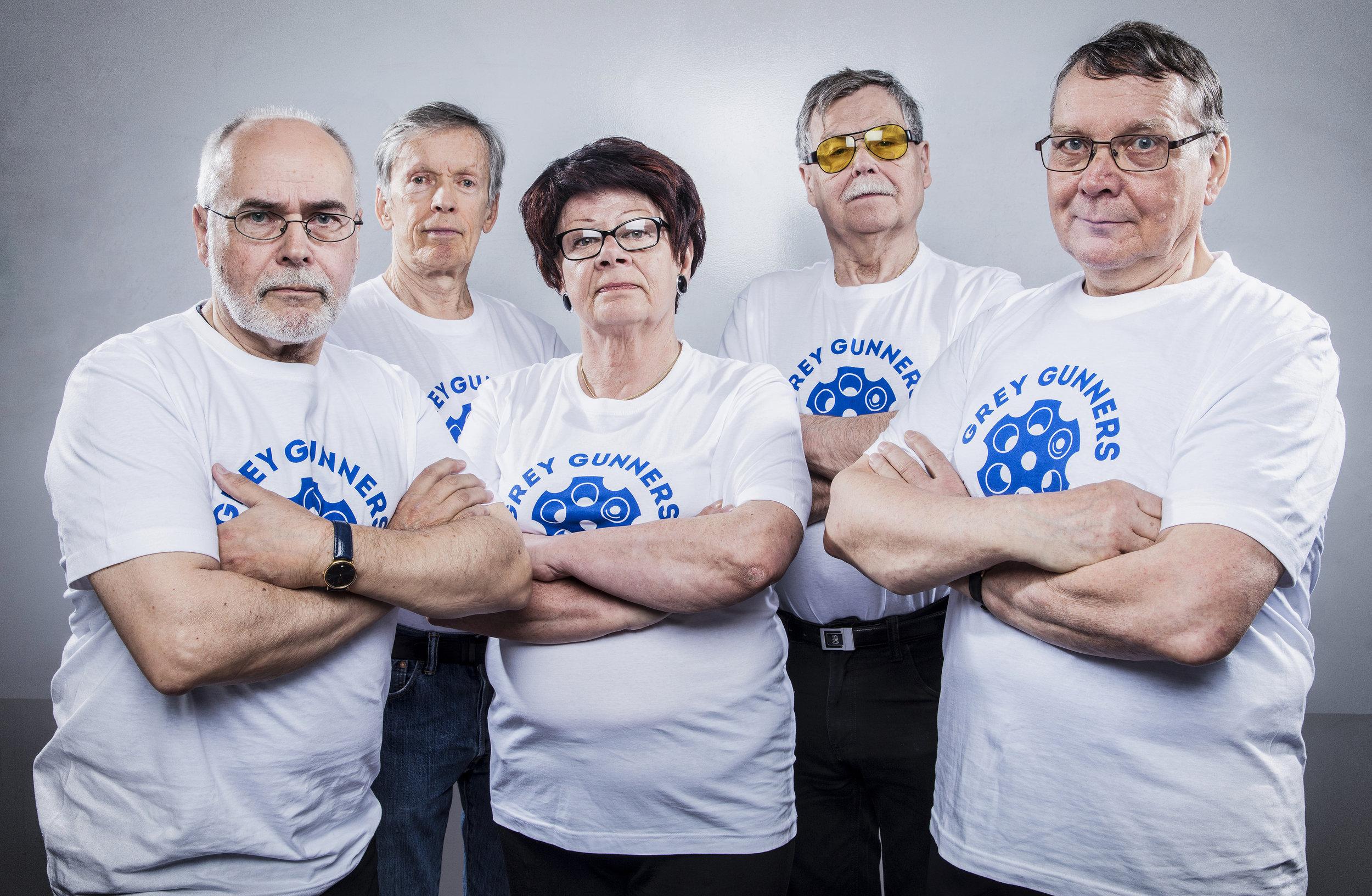 Grey-Gunners_Team_w_tshirts.jpg