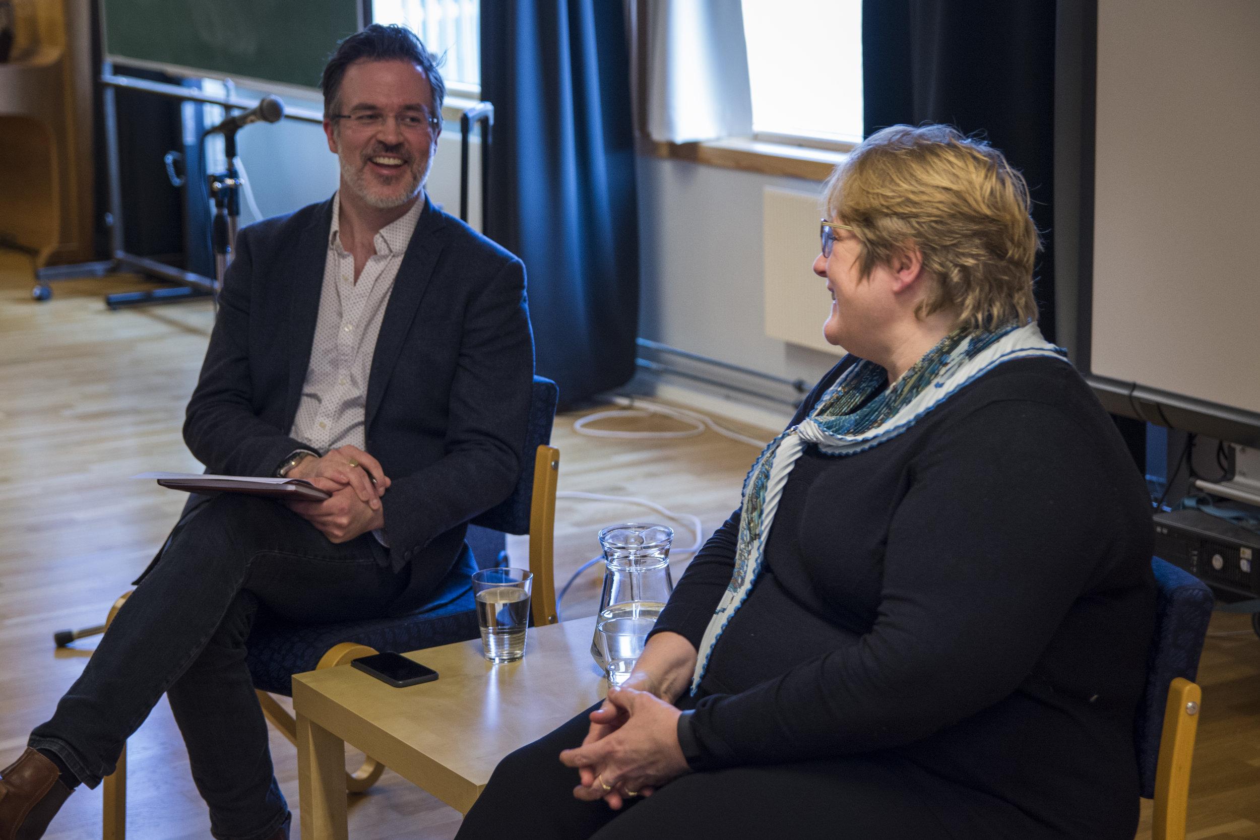 Knut Aastad Bråten i samtale med Trine Skei Grande