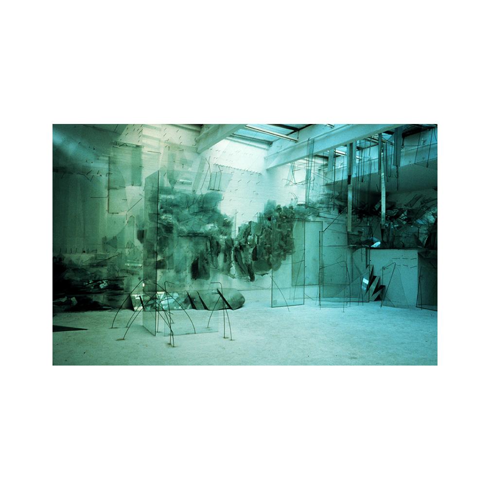 01_Seas_sheet and kiln formed glass_600 cm x 400cm x 500 cm _email.jpg